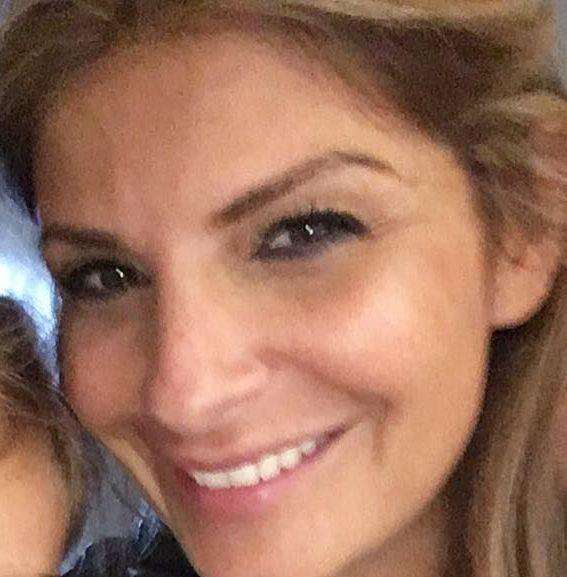 Doctor Ellie Holman(UK)